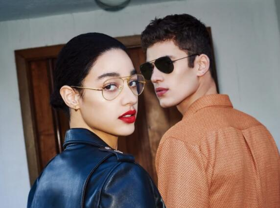 Ray-Ban's character debut, classic and stylish