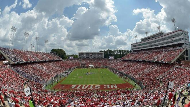 American college sports allows athletes to seek recognition