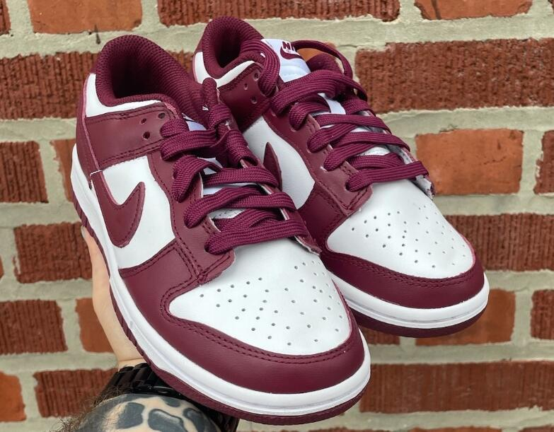 Light Walking Shoes Nike Dunk Low Bordeaux is Available Now