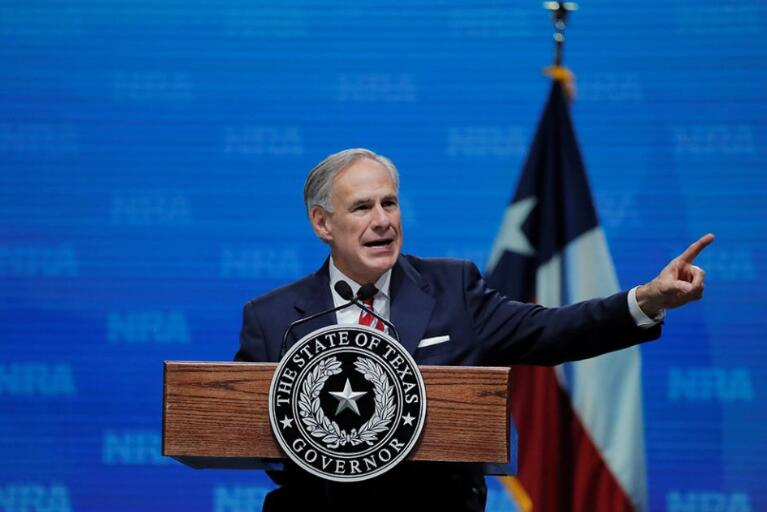 Links: Texas politics, ministering to the sick, violence in Chicago
