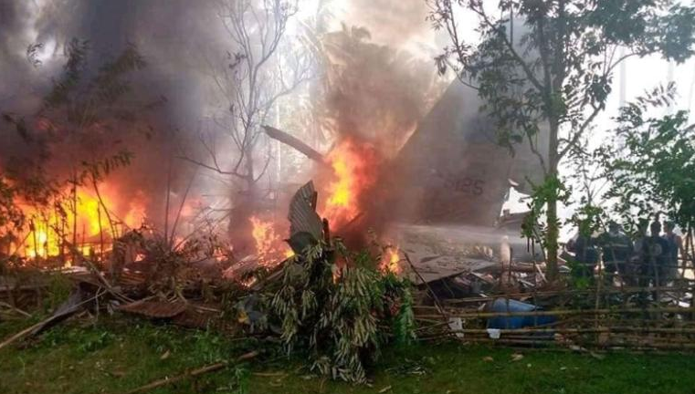 At least 29 killed in Philippine Air Force plane crash
